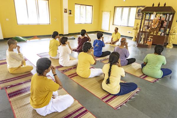sivananda-chennai-beginners-course