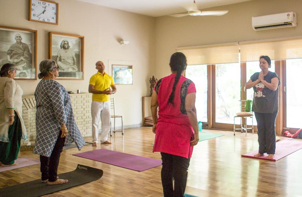 sivananda-delhi-gentle-yoga-class