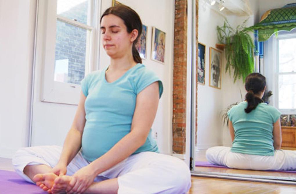 sivananda-delhi-prenatal-yoga-class