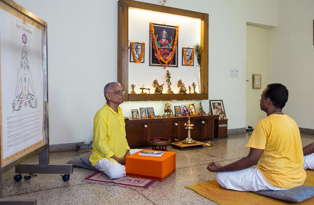 sivananda-yoga-delhi-satsang