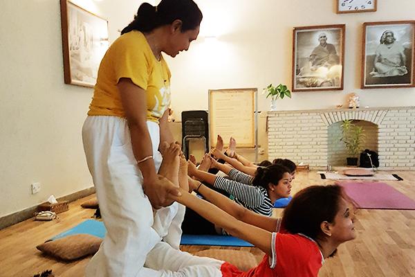 sivananda-delhi-intermediate-yoga-course