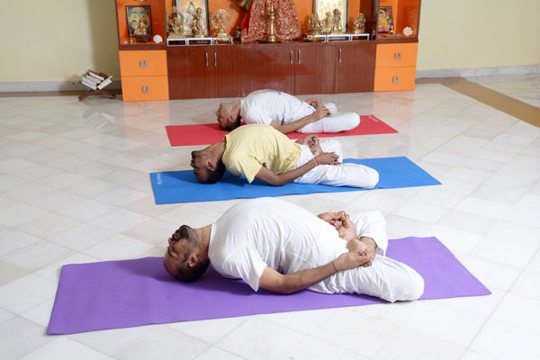 sivananda-dwarka-intermediate-advanced-yoga-class
