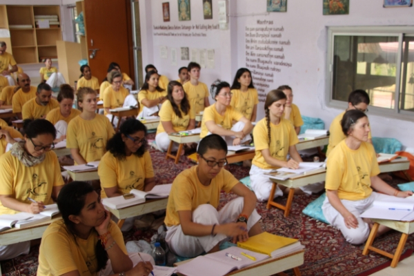 sivananda-uttarkashi-teachers-training-course-overview-2